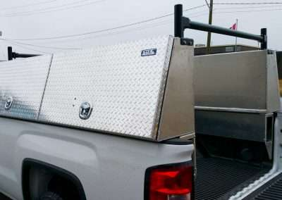 Checkerplate High Side Pack in White GMC Truck